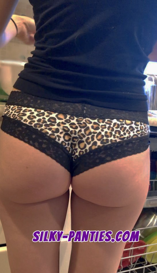 Creepshot of wife's ass in leopard panties while she cooks